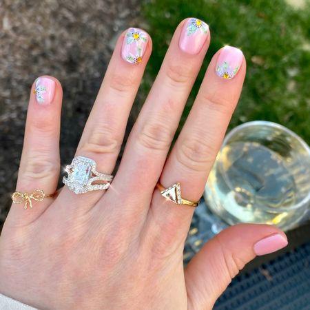 Spring nails! Easter nails! Floral manicure! #easter #spring #springmani #floralmani   #LTKbeauty