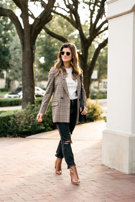 Neutral fall look! Wearing XS in blazer and sweater. Pants and shoes TTS