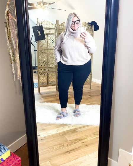 Plus-size Nordstrom Trunk Club try on. Athletic wear, and it feels SO good!!    http://liketk.it/37r1a  #liketkit #LTKcurves #LTKunder100 #LTKstyletip @liketoknow.it    Download the LIKEtoKNOW.it shopping app to shop this pic via screenshot