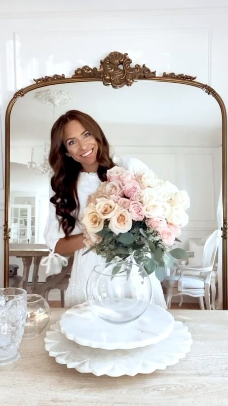 Happy #FloralFriday! Today, I'm sharing a fun way to use greenery in your vase! I also had a sweet little visitor in my video! 🤣🍁🍂🌸  #LTKunder50 #LTKunder100 #LTKhome