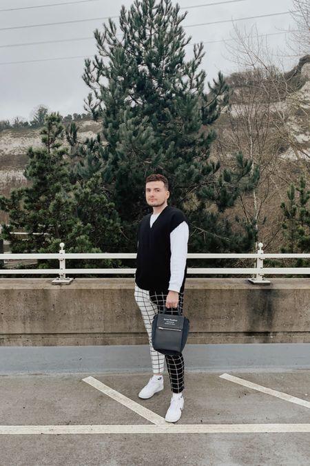 Knitted vest monochrome vibes ✨  #LTKeurope #LTKmens #LTKunder50