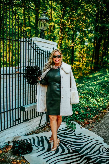 CheeR: I am cheering into a new week loaded with new opportunities and more football inspiration.  This classic look is inspired for Vanderbilt sidekicks and coaches wives.    #LTKstyletip #LTKSeasonal #LTKunder100