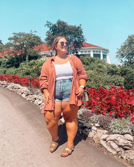 The best summer outfit with my fav $15 shorts! http://liketk.it/3jTR2 #liketkit @liketoknow.it #LTKcurves #LTKsalealert #LTKstyletip