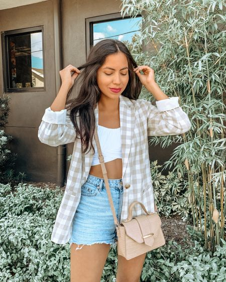 I have a little secret to share... . . . Proud mom over here 🙋🏻♀️ because my son took this picture 💕 Did he do a good job? He will be reading your comments 😊  Also, anyone else obsessed with neutral gingham? 😍  Shop my jacket on the @liketoknow.it app http://liketk.it/3eRk6 #liketkit #LTKstyletip #LTKunder50 #LTKworkwear