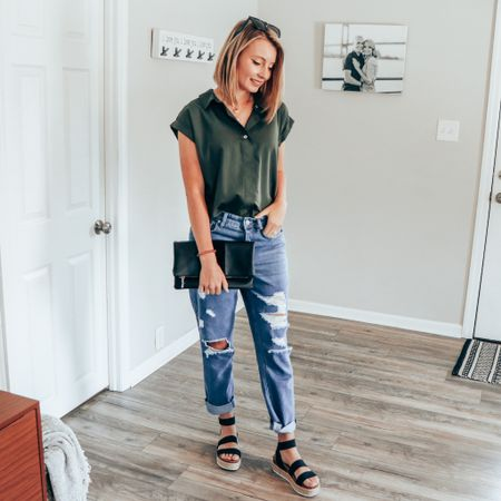 Expanding my fashion horizons lately and obsessing over baggier fitting jeans. These ones are on sale! Linked them on my @liketoknow.it !    #liketkit #LTKDay #LTKunder50 http://liketk.it/3gD9o