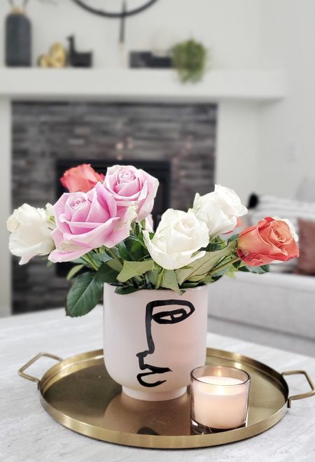 Fresh flowers are here to keep our spirits high. isn't this the best part of the spring? Roses are my favorite flowers. They make me so so happy. #homedecor #ltkhome #roses #vasedecor #springdecor
