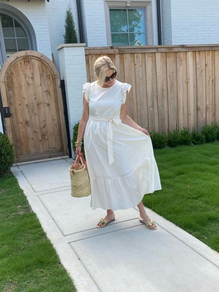 Great white maxi dress for summer. I'm in a size S.     #LTKSeasonal #LTKstyletip