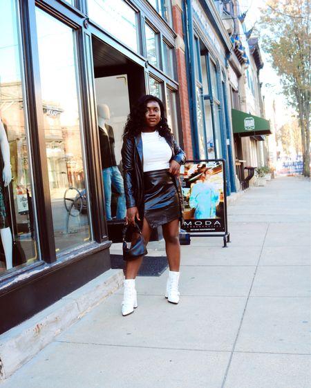 http://liketk.it/34Hi6 #liketkit @liketoknow.it #LTKstyletip #LTKcurves Shop my daily looks by following me on the LIKEtoKNOW.it shopping app