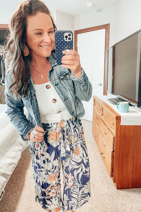 Monday vibes are wide-legged, high waisted, & cropped pants! Loving this floral and loose trend. Pair with a white tank and your favorite jean jacket! http://liketk.it/3fs43 #liketkit #LTKworkwear #LTKunder100 #LTKstyletip @liketoknow.it