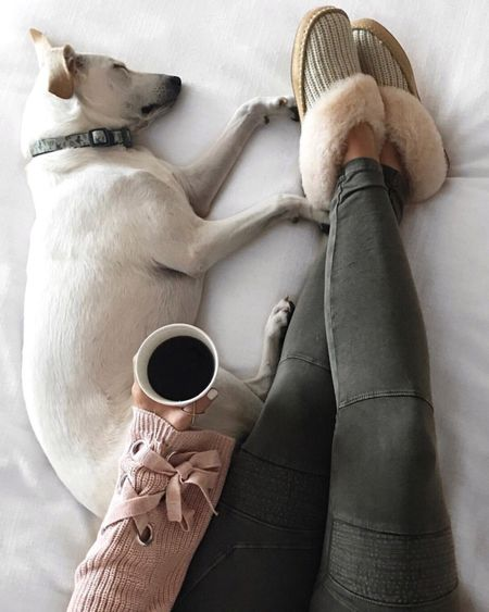 Sunday morning vibes. ☕️ These fab moto leggings are part of the #nsale & so soft & comfy! Less than $26 & they come in black too! Patiently waiting on our movers to get here...it's been a long month in an empty house & we're really looking forward to having our things! Happy Sunday! @liketoknow.it http://liketk.it/2wyJF #liketkit