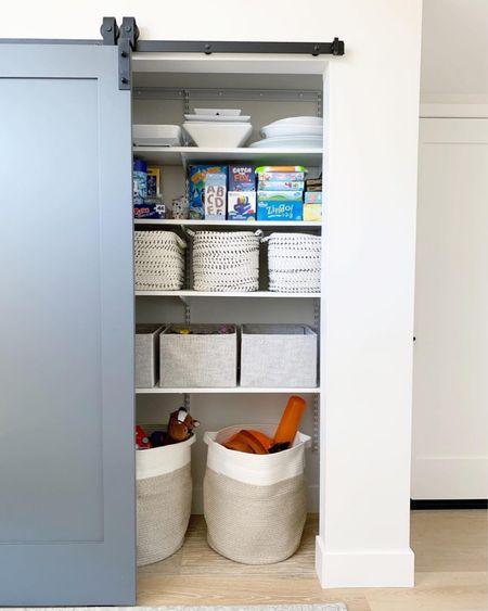 Closet organization ideas. || #organization #closet #storage #baskets #homeorganization   #LTKhome