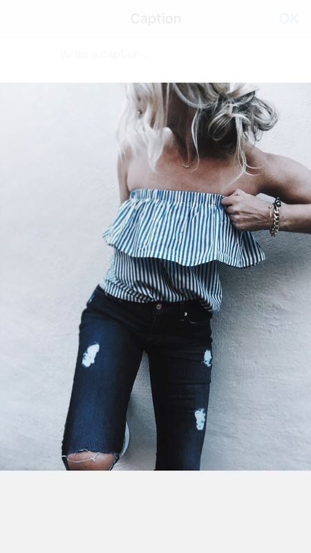 one hand pulling up my pants & the other one my top .... Anyone else as graceful as me? 😉  @7fam #blairdenim #blairEVERYWHERE   @liketoknow.it http://liketk.it/2oOHc #liketkit