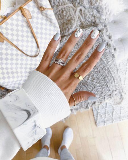 Marble mani 🤍 #marblemani #freshmani #LTKbeauty #liketkit http://liketk.it/2LstW @liketoknow.it