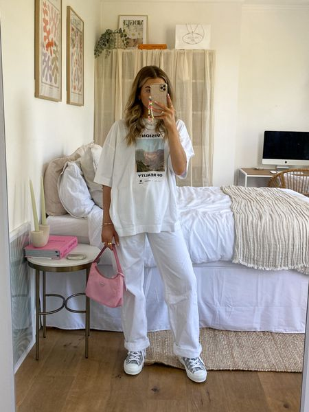 All white looks can be edgy too! I love this oversized T-shirt teamed with a pair of baggy jeans for a casual oversized fit     #LTKeurope