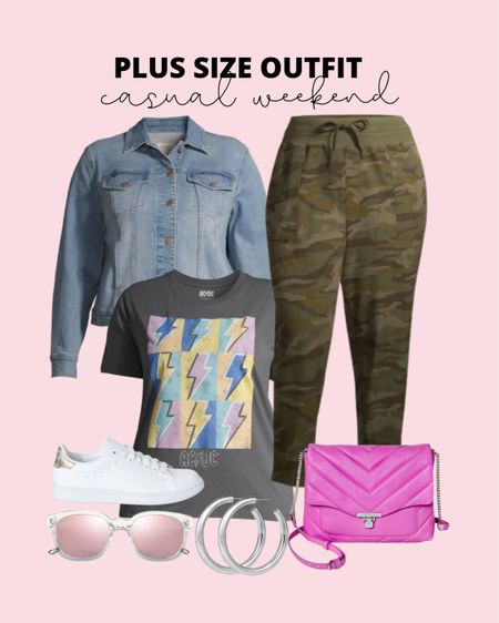 These plus size camo cropped pants have been a best seller! They are perfect for a casual plus size weekend outfit!   #LTKstyletip #LTKcurves #LTKunder50