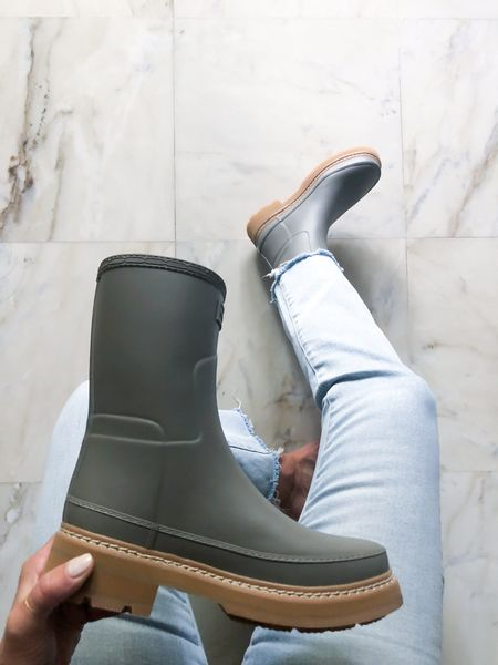 Rain lug boots. Rounding up my favorite short rain boots with a lug sole!  #LTKshoecrush