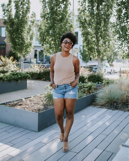 I haven't said this in years, but I think this summer is all about shorts! I rounded up some for all body types (including these bad boys) with @liketoknow.it because ain't nothin holding me back this season and it shouldn't hold you back either. Let's get it, ladies! 🙌🏾  #liketkit #LTKcurves #thatssokachet http://liketk.it/2CxLM
