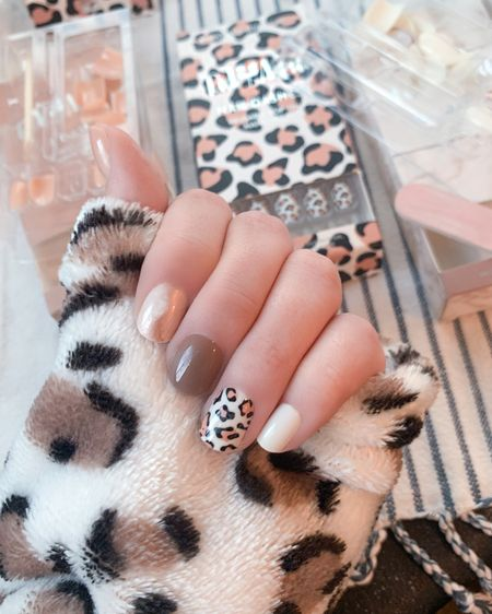 Head over to @heyaimeenicole on IG to grab these nails! Super easy to file and they are reusable! http://liketk.it/2WFcA #liketkit @liketoknow.it #StayHomeWithLTK #LTKstyletip #LTKsalealert