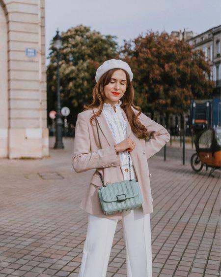 La touche de couleur parfaite pour mes looks de printemps avec mon sac Brioche @longchamp 🤍 J'adore son coloris jade, qui apporte de la couleur mais qui reste doux et facile à assortir en même temps ! Avec du blanc et du beige c'est super frais pour le printemps je trouve 🌿 Et vous, vous aimez porter des sacs de couleurs aussi ? Quels sont vos coloris de prédilection ? 🤗  En collaboration avec @longchamp #LongchampBrioche #LongchampSS21 #Longchamp   http://liketk.it/3eL0i #liketkit @liketoknow.it #LTKeurope
