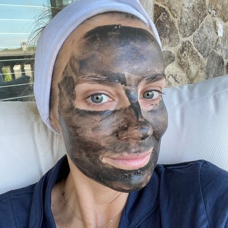 Deep pore cleansing mask with salicylic acid for acne and blackheads 🙌🏼 #LTKbeauty #liketkit @liketoknow.it http://liketk.it/3iwo0