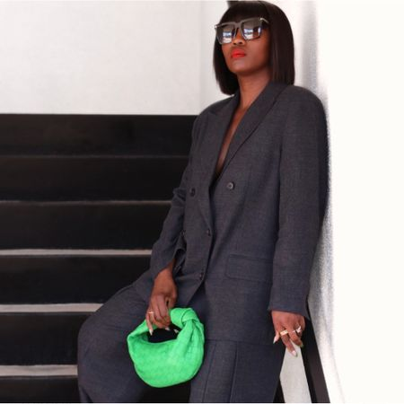 Business Monday 💚. With a pop of color. Wishing you all a productive week ahead.  More on this post via the @liketoknow.it app. http://liketk.it/3c797 #liketkit #suitstyle.
