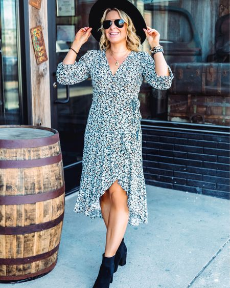 There's nothing better than a good dress being on sale! And this one is! You're welcome 😊 http://liketk.it/3cjoH #liketkit @liketoknow.it Shop your screenshot of this pic with the LIKEtoKNOW.it shopping app #LTKunder100 #LTKstyletip #LTKshoecrush  . . . . . . . . .  #ootdshare #bloggerbabe #bloggerstyle #realoutfitgram #mamaswithstyle #realmomstyle #getthelook #styleinspo #michiganblogger #whatiwore #aboutalook #rewardstyleblogger #pursuepretty #affordablefashion #outfitinspo #stylecrush #outfitgoals #basic #springstyle #wrapdress