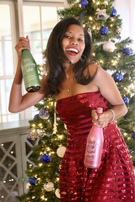 I must admit Welches Sparkling cider is perfect for the holiday season. Not only can everyone drink it but it brings the ultimate fizz, pop and smile to your holiday. Have your tried the Sparkling Rose flavor? If you are a wine drinker this gets pretty close to that refreshing rose taste. I must admit it's my favorite! What are you drinking this holiday season?