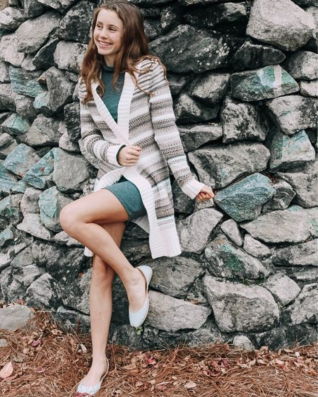New blog post up on this #ootd! Figure out how to pick the perfect cardigan for your outfit. Link in bio! .  Shop your screenshot of this pic with the @liketoknow.it app #liketkit http://liketk.it/2yRQ1 📱