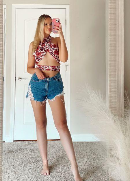 Paisley crop top and denim jeans 💕☁️ #amazon #amazonstyle #amazonfashion #denimshorts #rippeddenim #nordstrom #topshop  #LTKSeasonal #LTKunder50 #LTKunder100