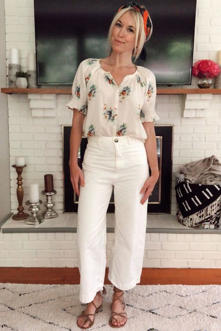 Summer capsule wardrobe (look 1/9): Floral Madewell top, Free People cropped white pants, floral head scarf, lace-up sandals ☀️ Everything under $100 👏🏻 Check our the other 8 looks in this series to see more casual summer outfit ideas made from these pieces! http://liketk.it/2CuLs @liketoknow.it #liketkit #LTKunder100 #LTKstyletip #LTKsummer , vacation, high-waisted pants