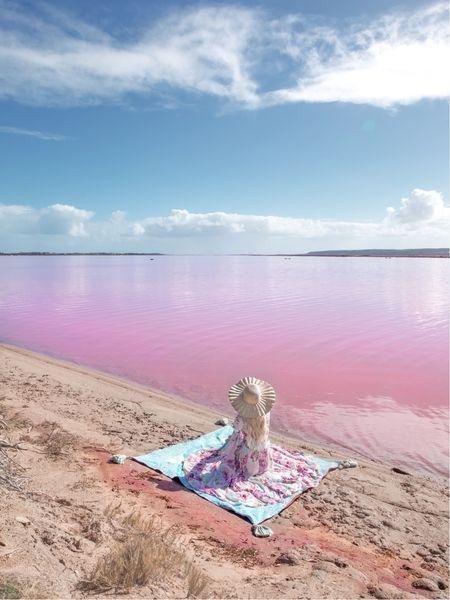 Pink lake picnic ☀️💕✨  #LTKunder100 #LTKtravel #LTKaustralia