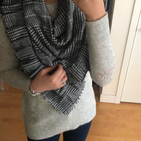 This is a triangle scarf is 👌🏻! Also this grey sweater is on sale for $29.50. The @loft sale for 40% off plus and extra 10% off ends tonight. Use code FF0171966. I went up one size to SP for a relaxed fit. More quick sizing tips 👉🏻 https://www.whatjesswore.com/p/sizing-tips.html. @liketoknow.it http://liketk.it/2xS18 #liketkit #LTKsalealert #LTKstyletip #LTKunder50 #LTKunder100