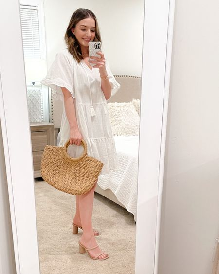 """The most perfect beach resort dress for spring and summer! Wearing a S/M and I'm 5'3"""" and 120lbs 💕 #LTKSeasonal http://liketk.it/39c3A #liketkit @liketoknow.it"""