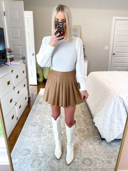 Pleated mini skirt, leather pleated mini skirt, thanksgiving outfit, neutral style! Size: SM 10% off with KELSIE10    #LTKHoliday #LTKSeasonal #LTKunder50