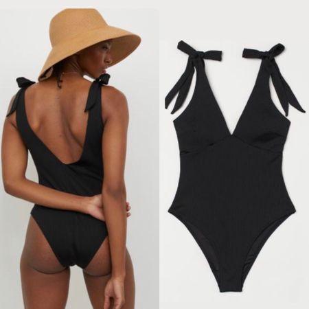 Cutest swim under $30 😱 Shop my daily finds by following me on the LIKEtoKNOW.it shopping app. Swimmingsuits. #beachoutfit #summeroutfit #summerdays #hm http://liketk.it/3iebG #liketkit @liketoknow.it #LTKswim #LTKsalealert #LTKunder50 #LTKseasonal #LTKsummer