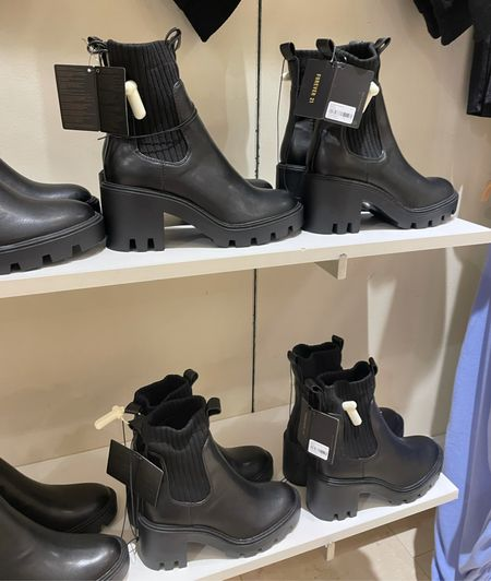 Forever 21 affordable black chunky Chelsea boots with wool and chunky block heel. Fall fashion 2021 trendy   #LTKunder50 #LTKshoecrush #LTKSeasonal