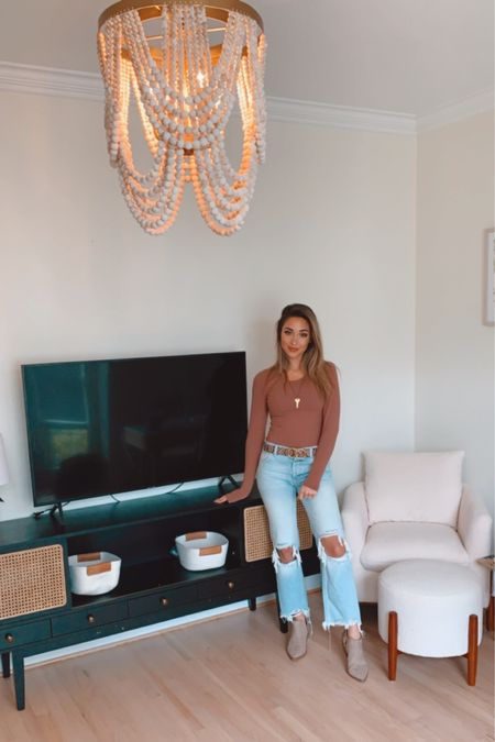 I'm in love with my new office furniture and decor! 😍❤️🥰 It's all starting to come together I'm thinking this room will be done first! I still need two other wall lights hung up that match the chandelier! 🙋🏼♀️ IM SO EXCITED can you tell lol! I love home decor! I think if I didn't have the job I have that I would be doing something with home decor and real estate! 😂 I know I know that's totally different than what I do but I absolutely love it!! 💕 Anyone else love home decorating? 🙏🏼  http://liketk.it/2ZJ2x #liketkit @liketoknow.it You can instantly shop my looks by following me on the LIKEtoKNOW.it shopping app  ☝🏼☝🏼☝🏼 . . .  #LTKhome #LTKstyletip #LTKunder50