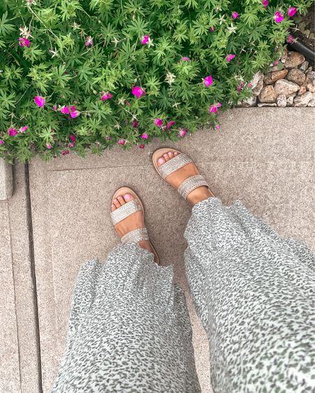 Loving these flirty slides. I'll be wearing these all summer http://liketk.it/3goXP #liketkit @liketoknow.it