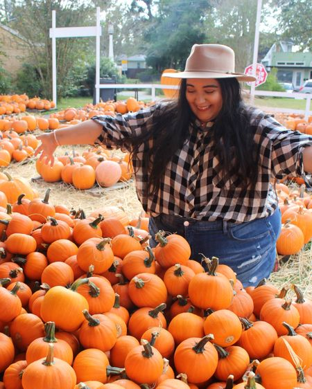 When I see mini pumpkins, this is my expression! This outfit was so comfy to go to the pumpkin patch. http://liketk.it/2YJTh #LTKunder50 #liketkit @liketoknow.it #LTKcurves