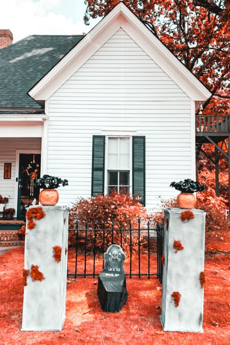 Graveyard DIY is now up on the blog 🎃🖤💀  #halloweendiy #halloweendecor #spookyseason