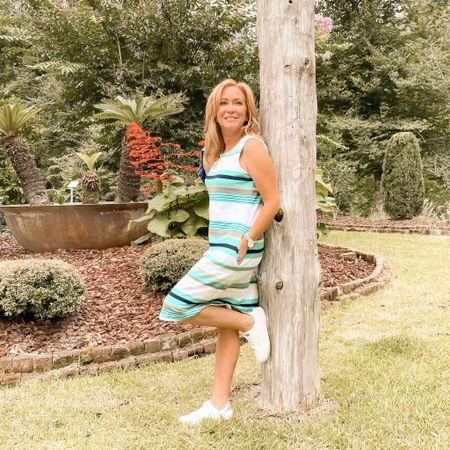 Hello August! I want to start looking at Fall, but I'm still wearing sleeveless summer things. Anyone else?! When do you usually start transitioning to Fall🍂?! . #gifted #sleevelessdress #talbots #summeroutfit petitestyle #influencerover40  #LTKstyletip