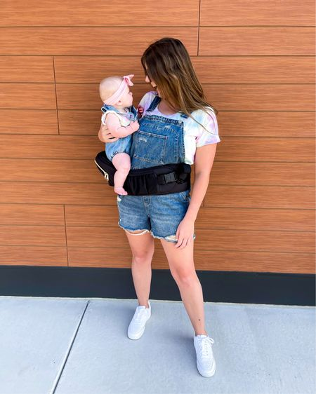 Who else has those days when your child does not want to be put down?! 🙋🏻♀️ This @tushbabyshop baby carrier has been a lifesaver for those days when Callie wants to be held 24/7!    http://liketk.it/3gdZZ #liketkit @liketoknow.it #LTKfamily #LTKbaby #LTKunder100 #overalls #momandme #babygirl #babycarrier