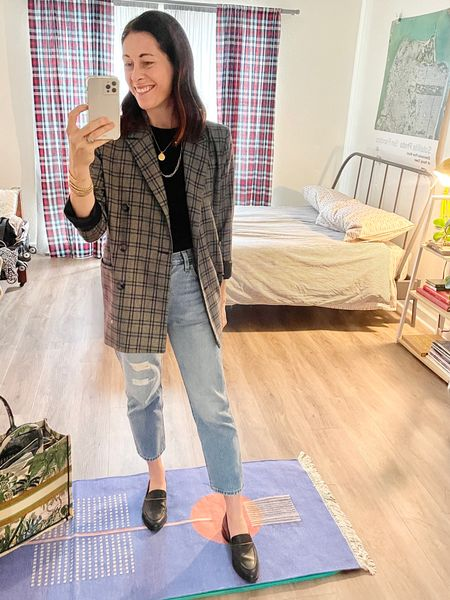 Jeans - Levi's true to size Shoes - Freda (code CONNI15 for 15% off) true to size Shirt - sold out nyc tank (use code CONNIVIP20 for 20% off) true to si se Blazer - old, linked similar   #LTKSeasonal #LTKstyletip #LTKunder100