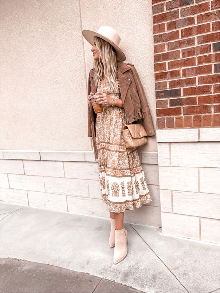 Fall dress, bump friendly, great for family photos! Wearing a small   #LTKstyletip #LTKSeasonal #LTKbump