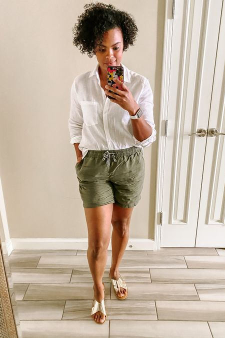 """sharing some of my fav @joulesusa pieces that I packed for my """"workcation"""" last week. These have been in heavy rotation because they are so comfy and versatile! I don't know about you but I just need an easy, breathable, and stylish wardrobe these days. Joules is a UK brand that puts sustainability at the forefront, plus my size is truly my size. Everything fit on the first try. Whether it's these pieces or others you find that tickle your fancy, use code KACHET for free shipping through 9/5. I can't WAIT to see what you pick out - and hear what you think about this vid, of course!    Items:  Vera Gathered Sleeve Blouse in Black Daisy Lorena Linen Longline Shirt in White Riviera Long Length Jersey Dress, Cream Navy Stripe (comes in reg length, too) Clarina Casual Pull-On Shorts in Seaweed Dora Fedora  Linked via @liketoknow.it : http://liketk.it/2Vexa #liketkit"""