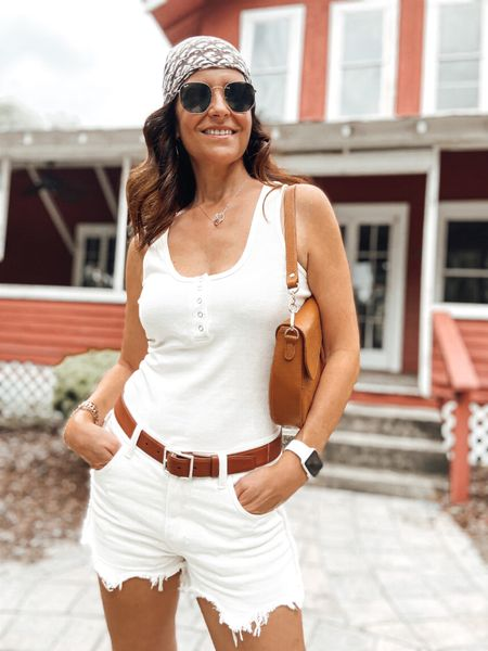 Tuesday neutrals 🤍🤎✨ An Everyday Summer Top✨ On the blog today with French & American links -> http://sofrench.pro (direct link in bio) ✔️ Or details via the @liketoknow.it app 📲  #ootd #summertop #castaner #castanerlovers @btfbmofficial  #sofrenchbynaty #liketkit