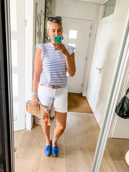 Outfits of the week-Sunday  Ready for a bike ride. Wearing a large top.    #LTKeurope #LTKunder50 #LTKfit