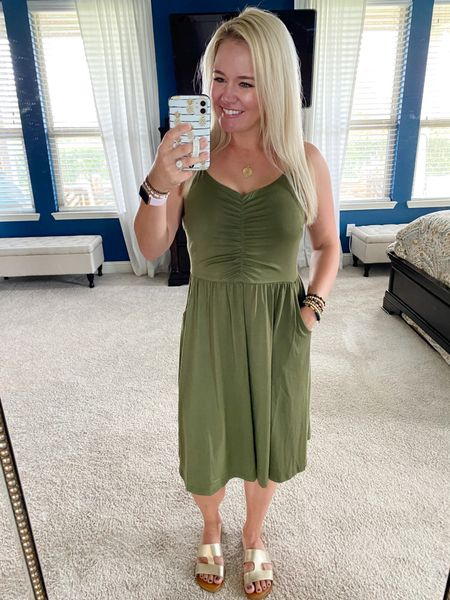 This dress is perfect for transitioning from summer to fall! It's comfy, flattering, and it's got POCKETS! 🙌🏼  #competition #LTKSeasonal #ootd #summertofalltransition #summertofalloutfit   #LTKstyletip #LTKunder50 #LTKSeasonal