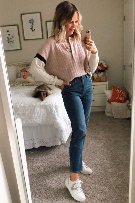 Fall outfit, fall ootd, mom jeans, fall fashion   #LTKunder50 #LTKSeasonal #LTKstyletip