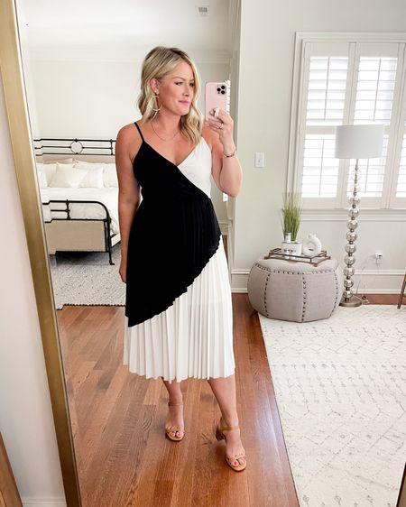 Black and white dress http://liketk.it/3hUUL #liketkit @liketoknow.it